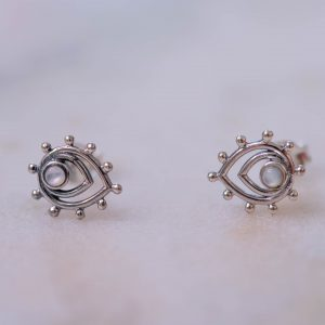 Earstud-Liona-925-Sterling-Silver-close-white-Laura-Design