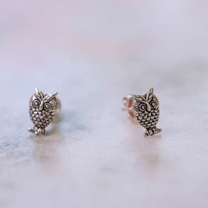 Earstud-Owl-925-Sterling-Silver-Close-up-Laura-Design